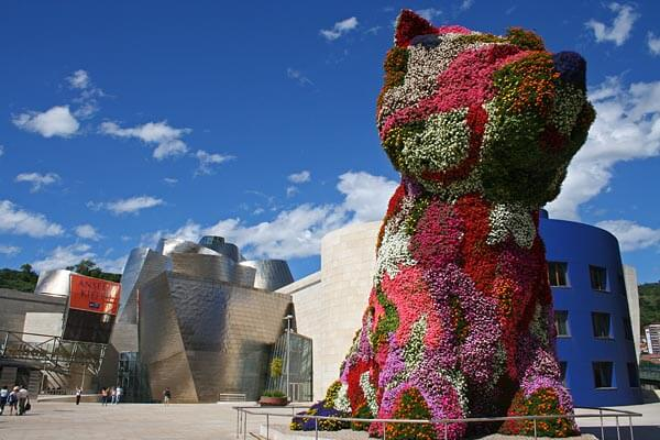 Jeff Koonz' Puppy outside the Guggenheim Bilbao