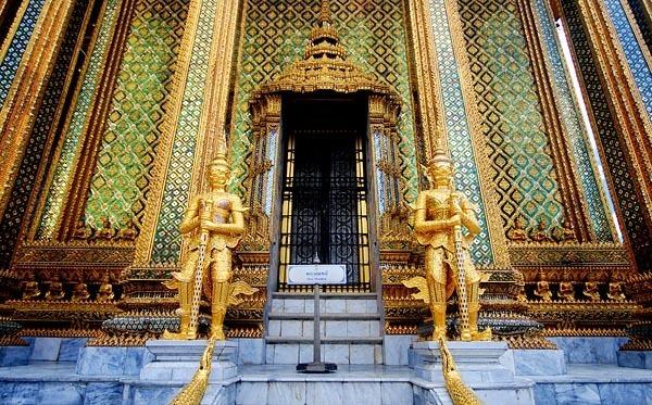 Entrance to the Bangkok Grand Palace