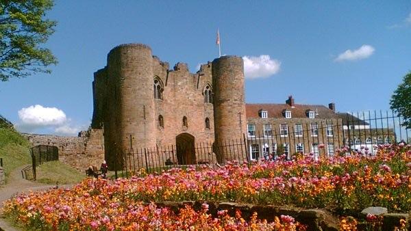 Tonbridge Castle in the spring