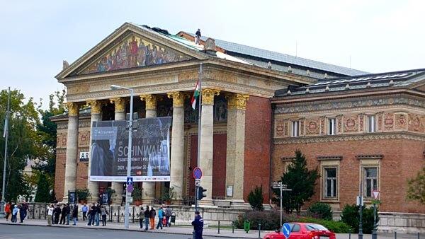 The Mucsarnok Gallery in Budapest