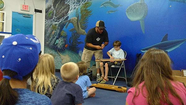 Kids class at the Santa Monica Pier Aquarium