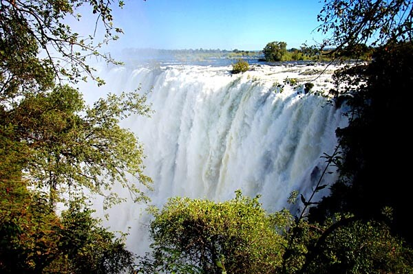 The Victoria Falls closer up