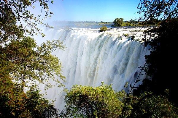 The Victoria Falls closer up