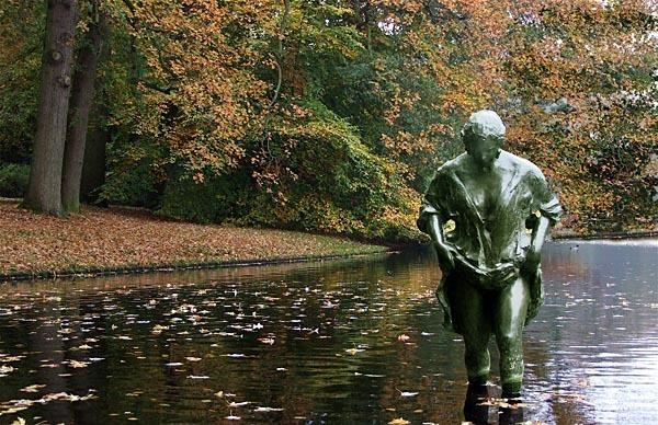 Statue in Rembrandt Park, Amsterdam