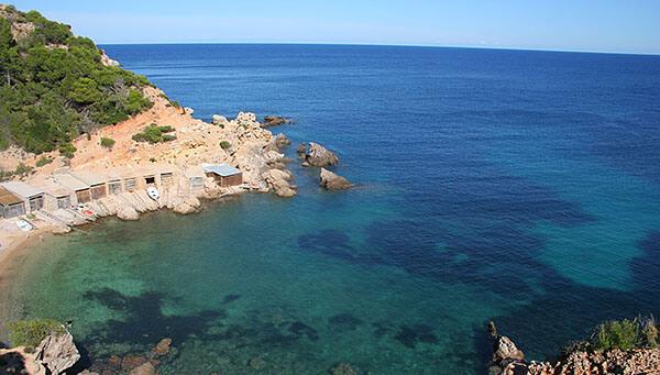 Cala d'en Serra beach in Ibiza
