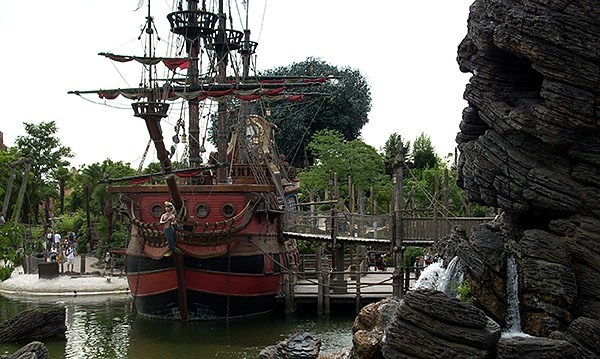 Pirate ship at Euro Disney