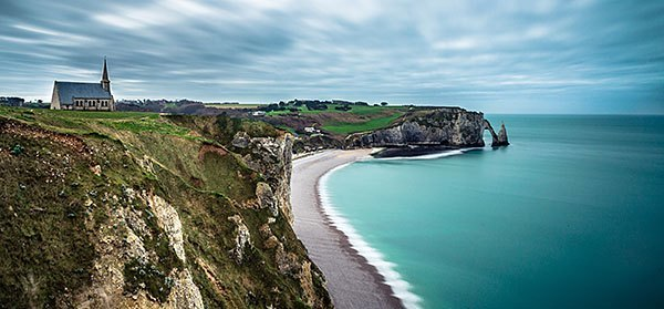 The beautiful cliffs at Falaise d'Etretat