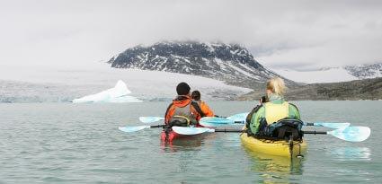 Kayaking couples in Norway