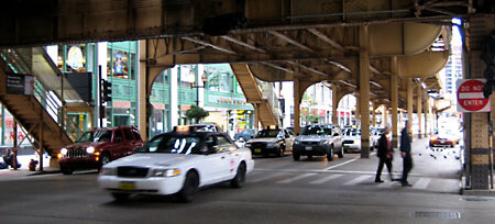 Traffic under the EL-train in Chicago.