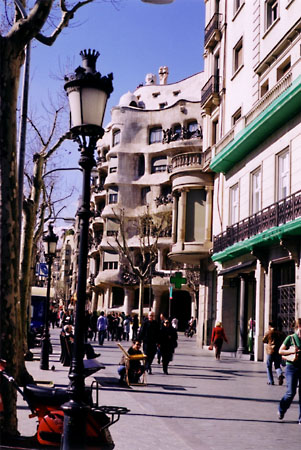 Passeio de Gracia is the street where both Casa Battlo and La Piedra are located.